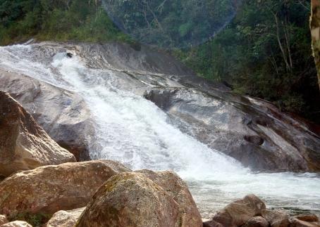 1280px-CachoeiraDoEscorrega