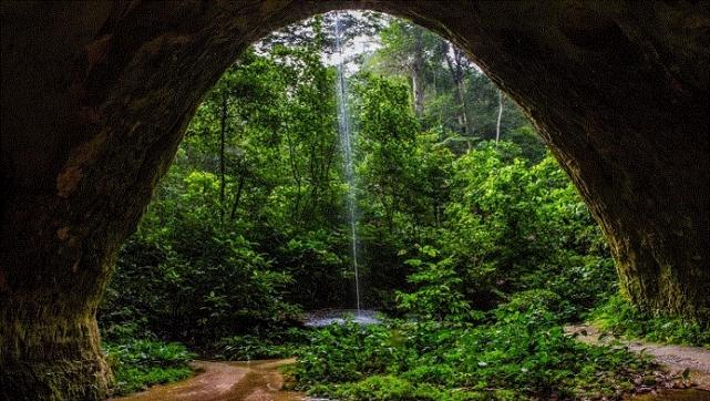 1_Caverna-Refúgio-do-Maroaga_bry-embratur