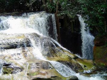 cachoeira-do-santuario-presidente-figueiredo-amazonas-1